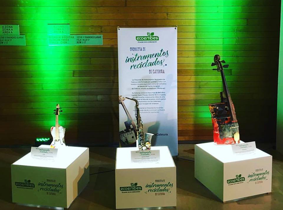 Concierto Orquesta De Instrumentos Reciclados Cateura Y Ecoembes, Imagen Corporativa San Sebastián El Kursal, 02 Enero 2017